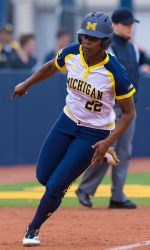 Wolverines Claw Past CMU for 11th Straight Win - University of Michigan Athletics