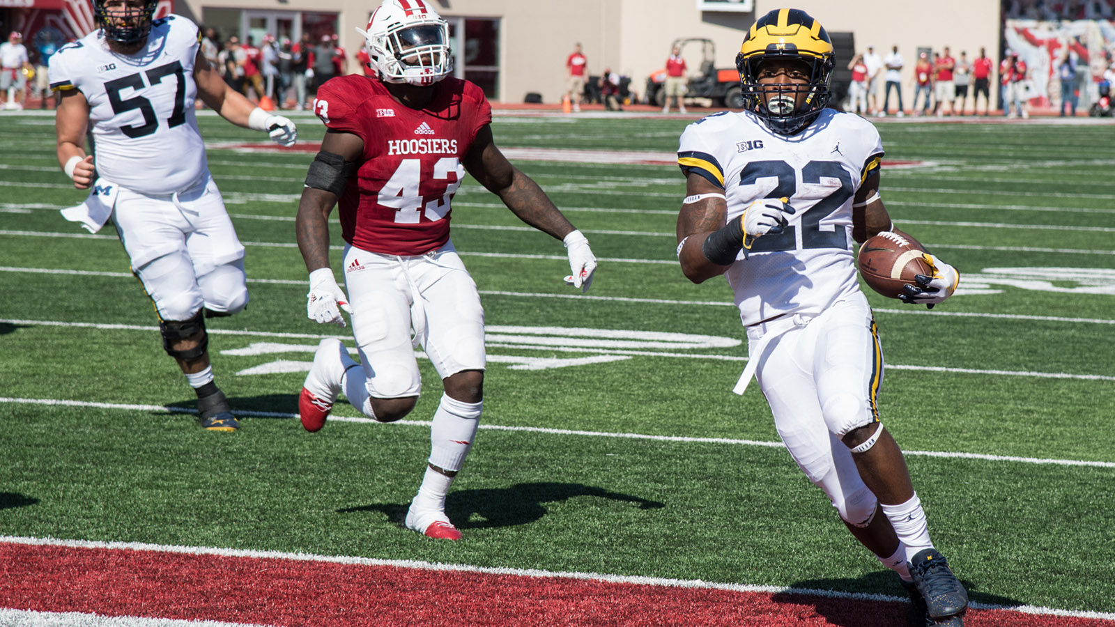 Higdon S Career Day Pushes Football To Overtime Win At