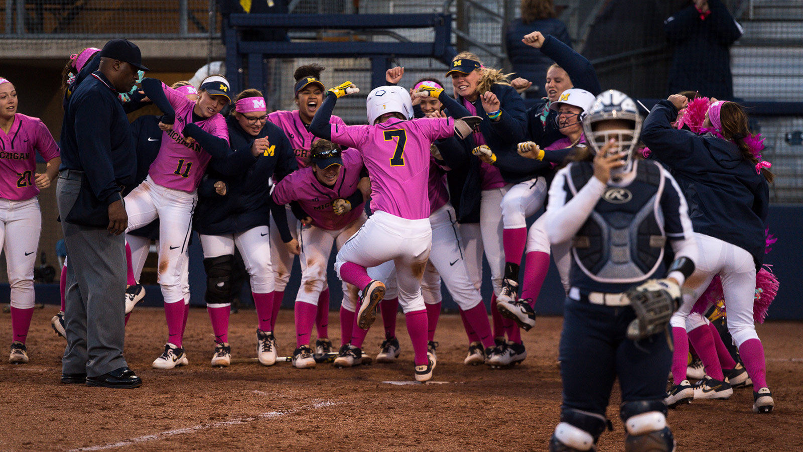 Udens Walk Off Homer Sends Wolverines Past Psu In Series Opener