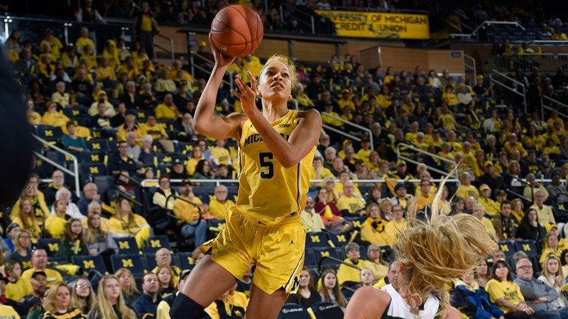 Wolverines Lead Wire-to-Wire in Road Win Over Wisconsin